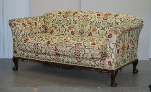 HOWARD & SONS VICTORIAN WALNUT CLAW & BALL FRAMED SOFA WILLIAM MORRIS UPHOLSTERY
